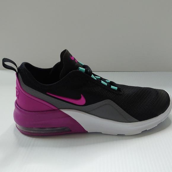 air max motion 2 violet et noire